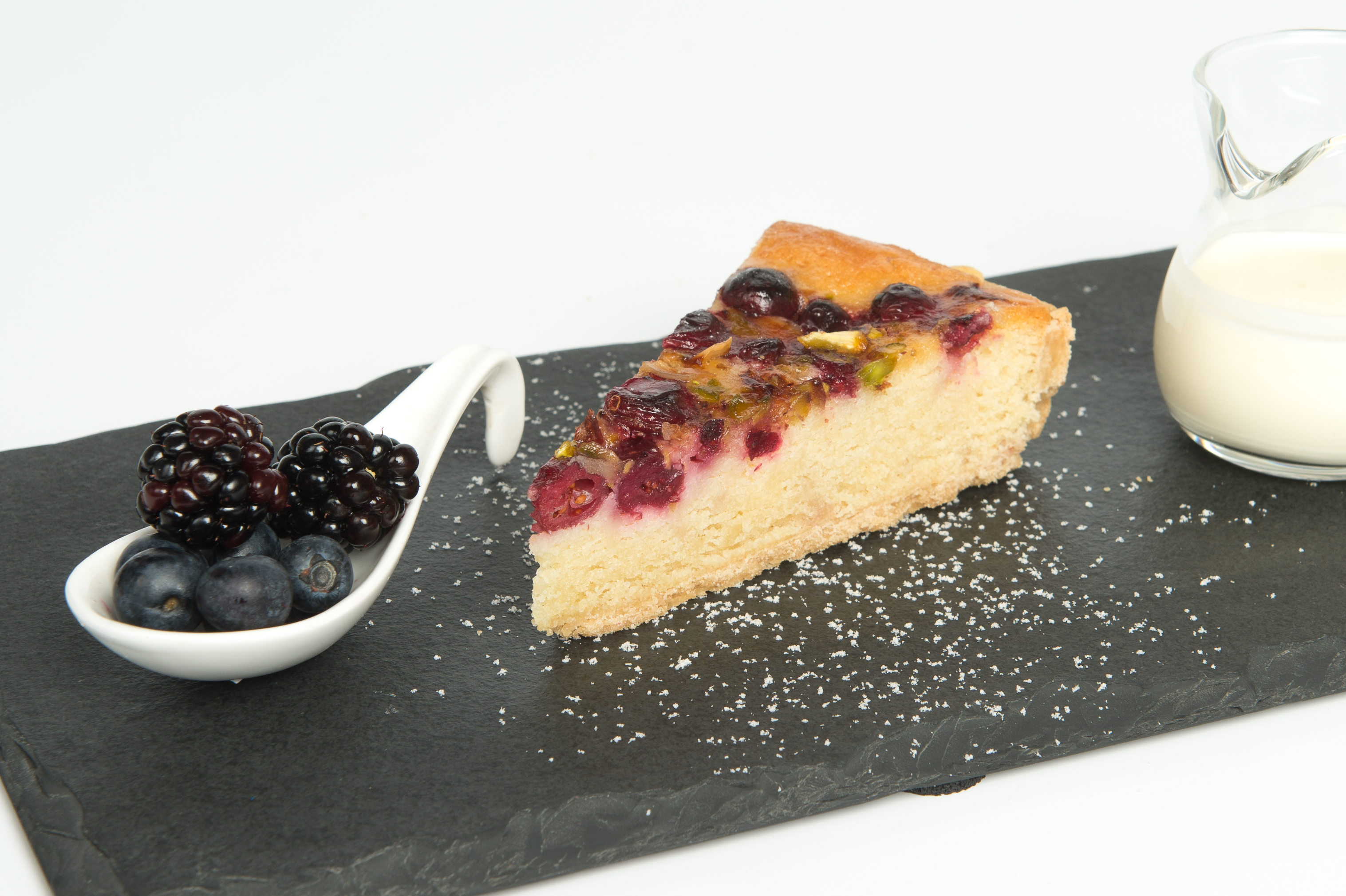 Cranberry and Almond Bakewell Tart – Gills Puddings
